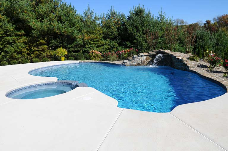 Pool surface refinished with aquaBRIGHT coating